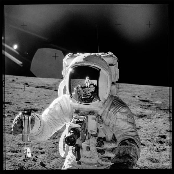 """拍下人类登月""""一小步""""的哈苏相机加入天猫双11"""