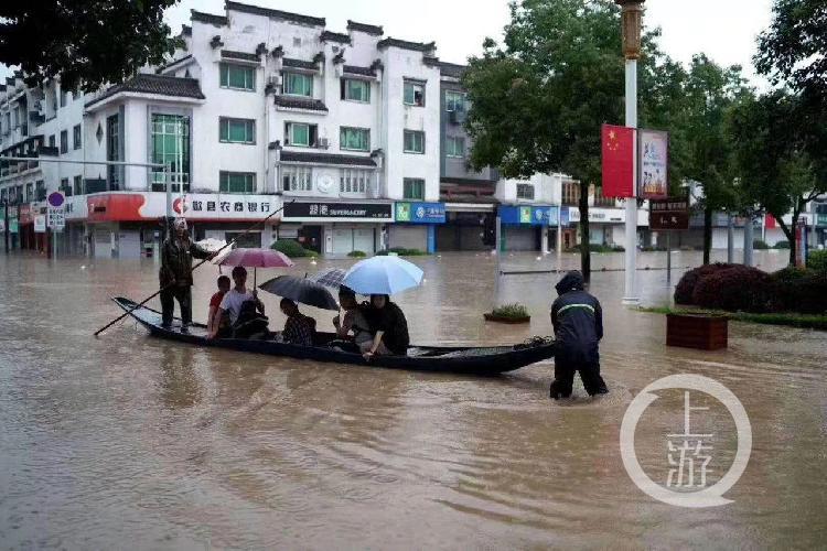 暴雨成河,安徽歙縣取消高考語文,正擬補考方案