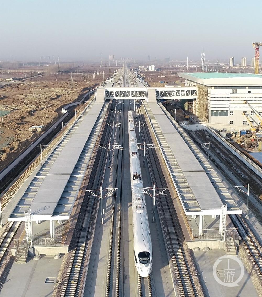 (社会)(2)徐连高铁开始运行试验6789533.JPG
