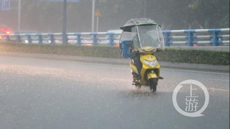 暴雨图片  钱波-FZ10023061100.jpg